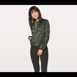 Lululemon above the clouds bomber